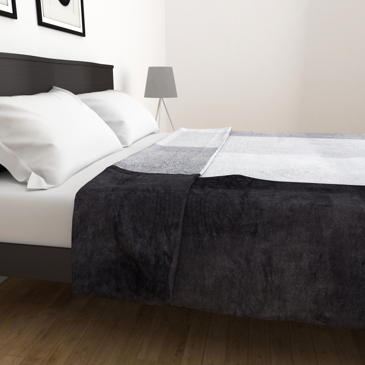 Radiant Ultra-Soft Double Bed Flannel Blanket - 200 x 240 cm