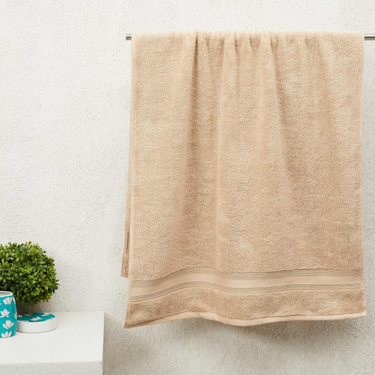 Marshmallow Textured Bath Towel - 140 x 70 cm