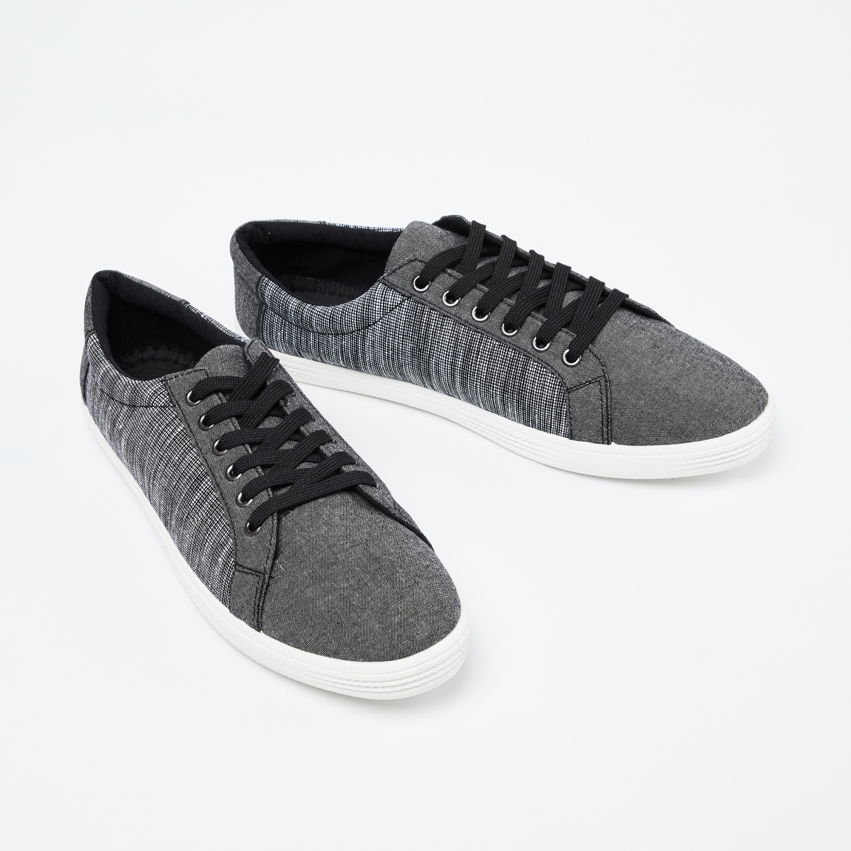 FORCA Textured Low-Top Casual Shoes